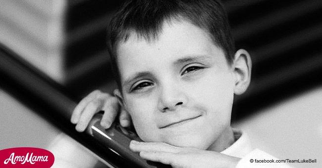 Ein Kind kam wegen Krebs ums Leben, einige Stunden später, nachdem seine Eltern um Hilfe gebeten hatten