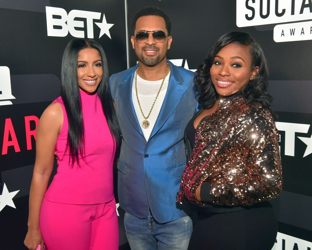 Kyra Robinson, Mike Epps and Bria Epps at the BET Social Awards Red Carpet at Tyler Perry Studios on February 11, 2018| Source: Getty Images