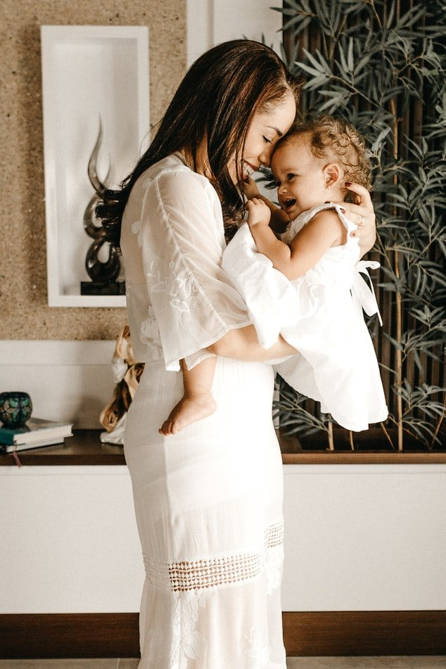 Mother and daughter | Source: Unsplash