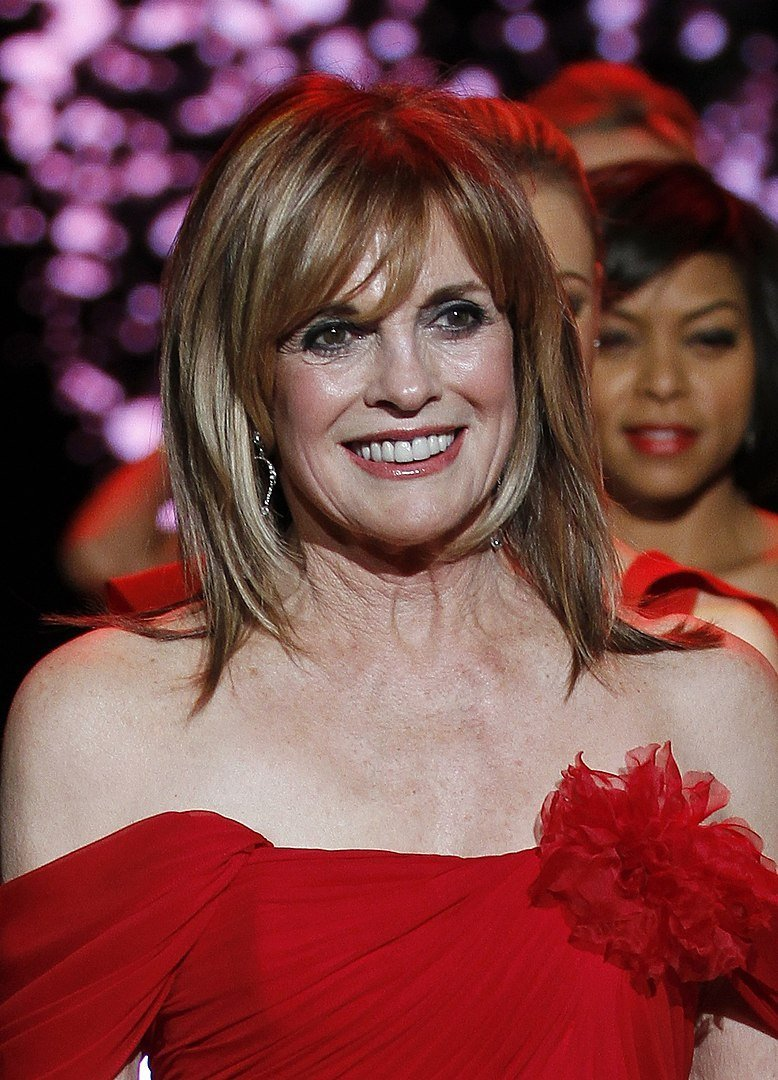 Linda Gray at The Heart Truth's Red Dress Collection Fashion Show in 2011 | Photo: Wikimedia Commons Images