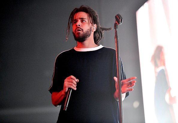 J. Cole performs onstage at Staples Center on August 24, 2018 | Photo: Getty Images