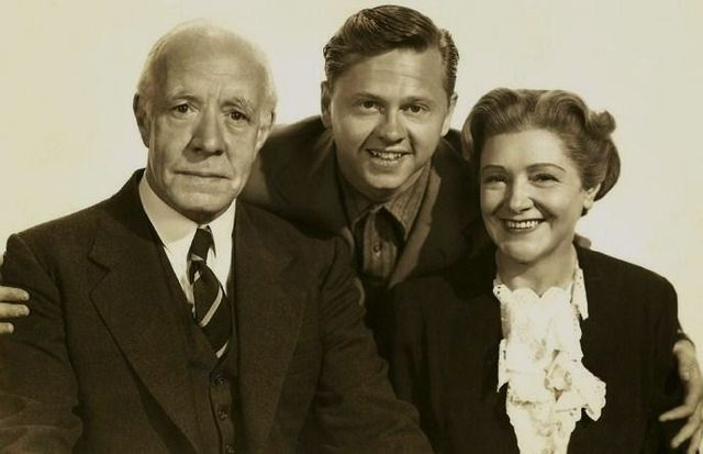 Lewis Stone, Mickey Rooney & Fay Holden| Source : Wikimedia Commons.