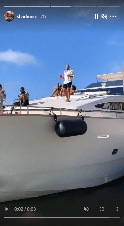A screenshot of rapper Bow Wow enjoying a yacht party with female friends. | Photo: instagram.com/shadmoss
