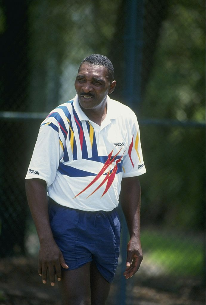 Richard Williams watches his daughter play tennis in Florida | Photo: Getty Images