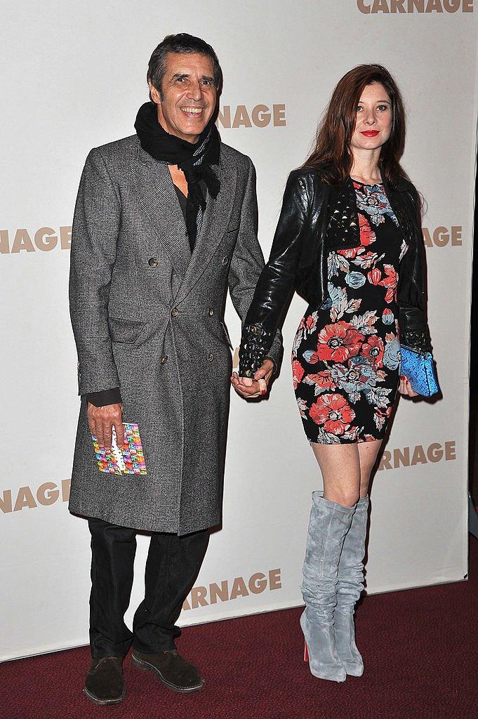 Hélène Grémillon et Julien Clerc main dans la main. l Source : Getty Images