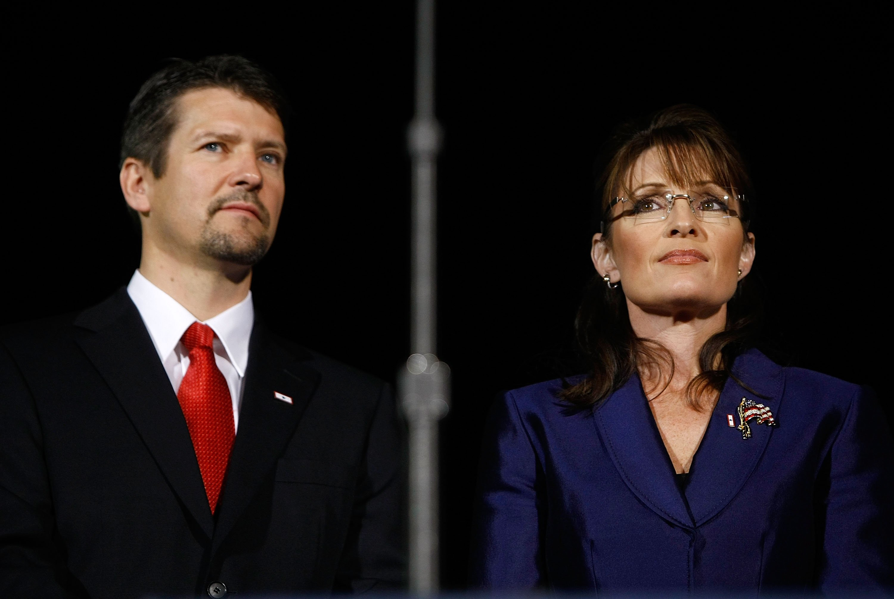 Sarah Palin and husband Todd Palin during the election night rally on November 4, 2008, in Phoenix, Arizona. | Source: Getty Images.