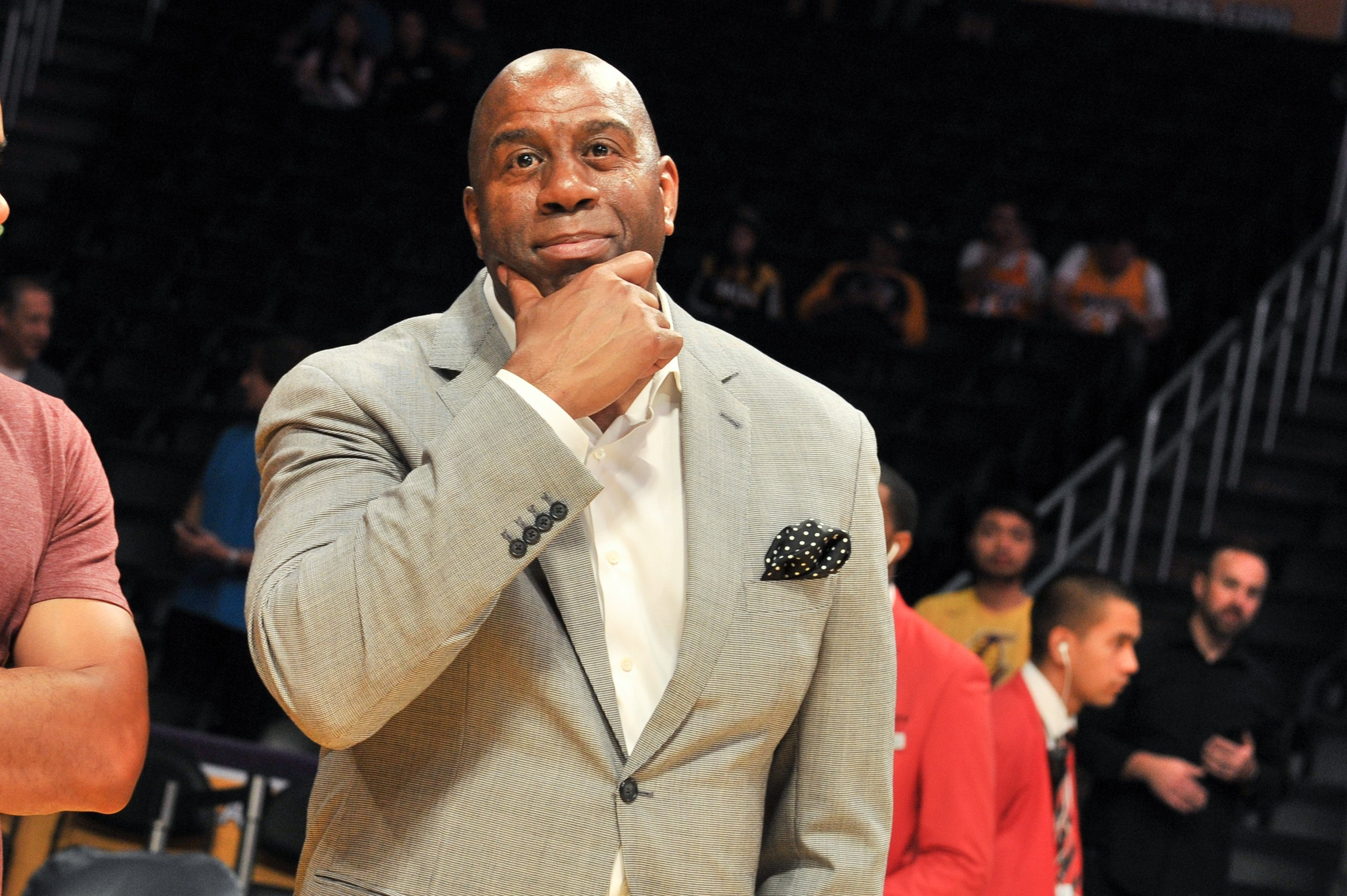 Earvin Magic Johnson attends a basketball game | Photo: Getty Images