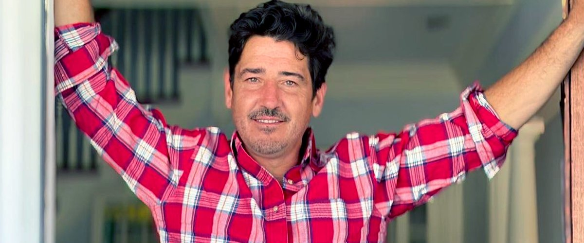 Jonathan Knight Stars in 'Farmhouse Fixer,' HGTV's New Show — All Facts You Need to Know about Him