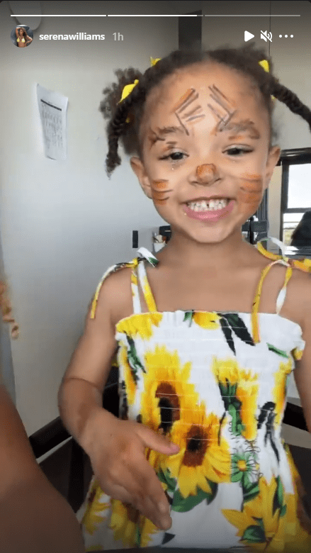 Serena Williams shares photo showing daughter Olympia's face paint. | Source: Instagram/serenawilliams