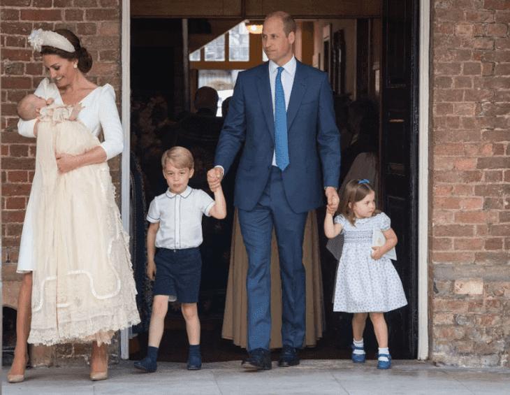 Prinzessin Charlotte Stiehlt Die Schau Mit Ihrer Neuen Frisur Auf