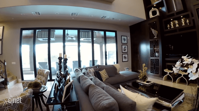 The patio door at the Scott twins' house in Las Vegas | Source: YouTube/CNET