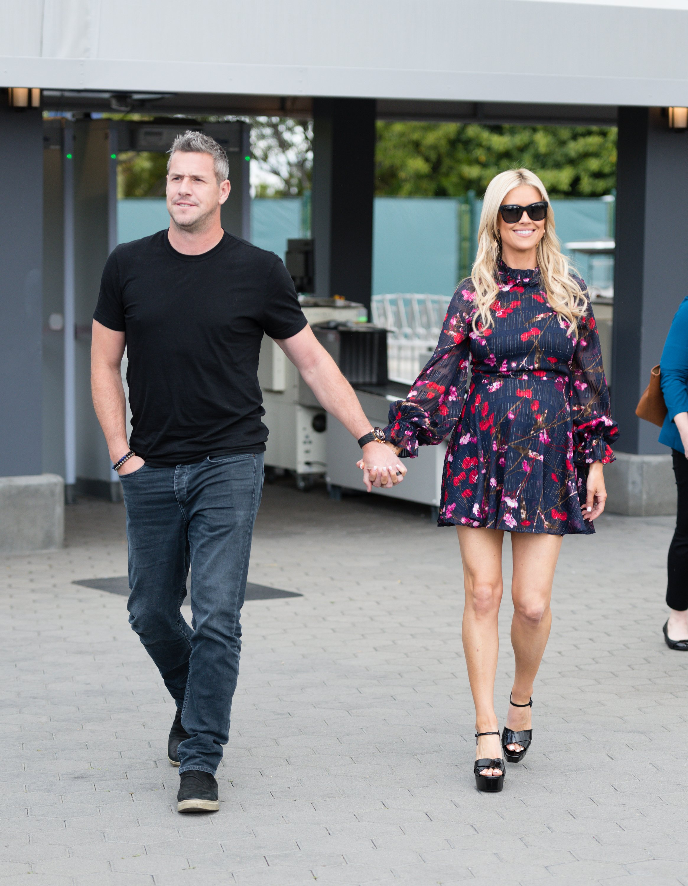 Ant Anstead and his wife, Christina Anstead in happier times, hand-in-hand and smiling in Hollywood on May 29, 2019. | Photo: Getty Images.