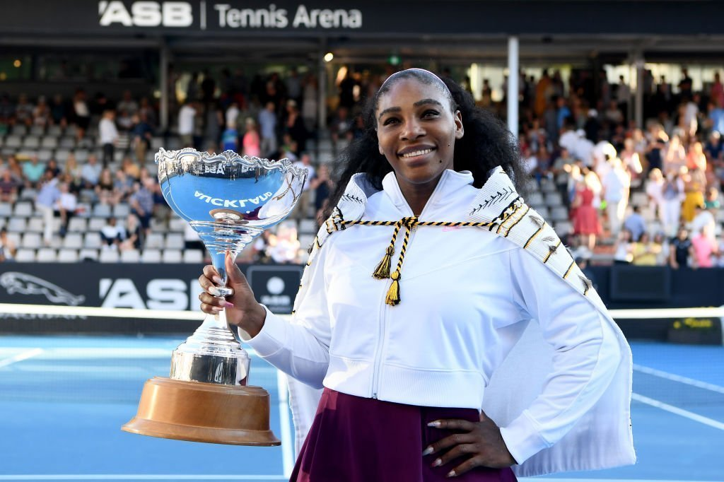 Serena Williams of USA celebrates with the trophy after winning the final match against Jessica Pegula of USA at ASB Tennis Centre on January 12, 2020. | Photo: Getty Images