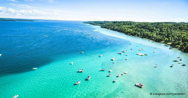 Stunning Lake in Michigan Looks Exactly like the Caribbean Sea