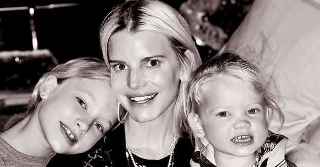Jessica Simpson Poses with Look-Alike Daughters Maxi Drew & Birdie Mae in This Adorable Photo