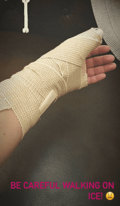 A picture of Megan McCain's bandaged injured hand posted on her Instagram story | Photo: Instagram/meghanmccain