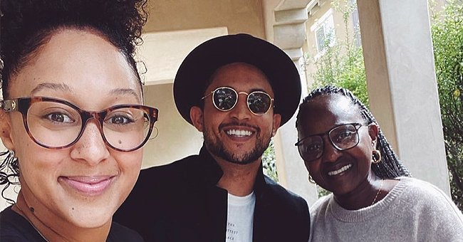 Tamera Mowry, Her Brother Tahj & Mom Pose In a New Family Photo — See Their Uncanny Resemblance