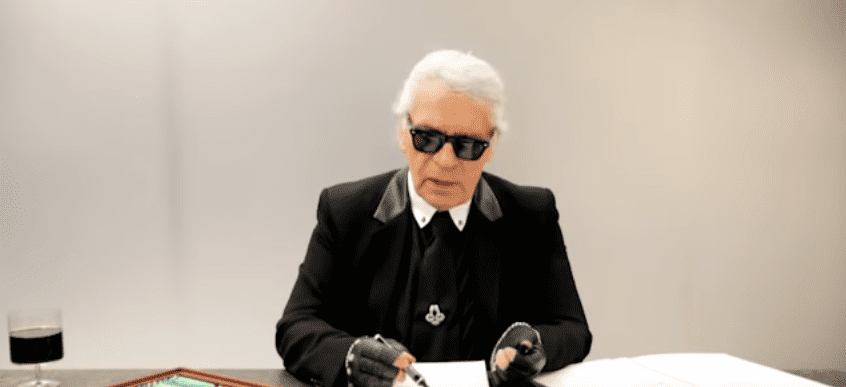 Karl Lagerfeld during an interview with Elle Mexico   Photo: Youtube / ELLE Mexico
