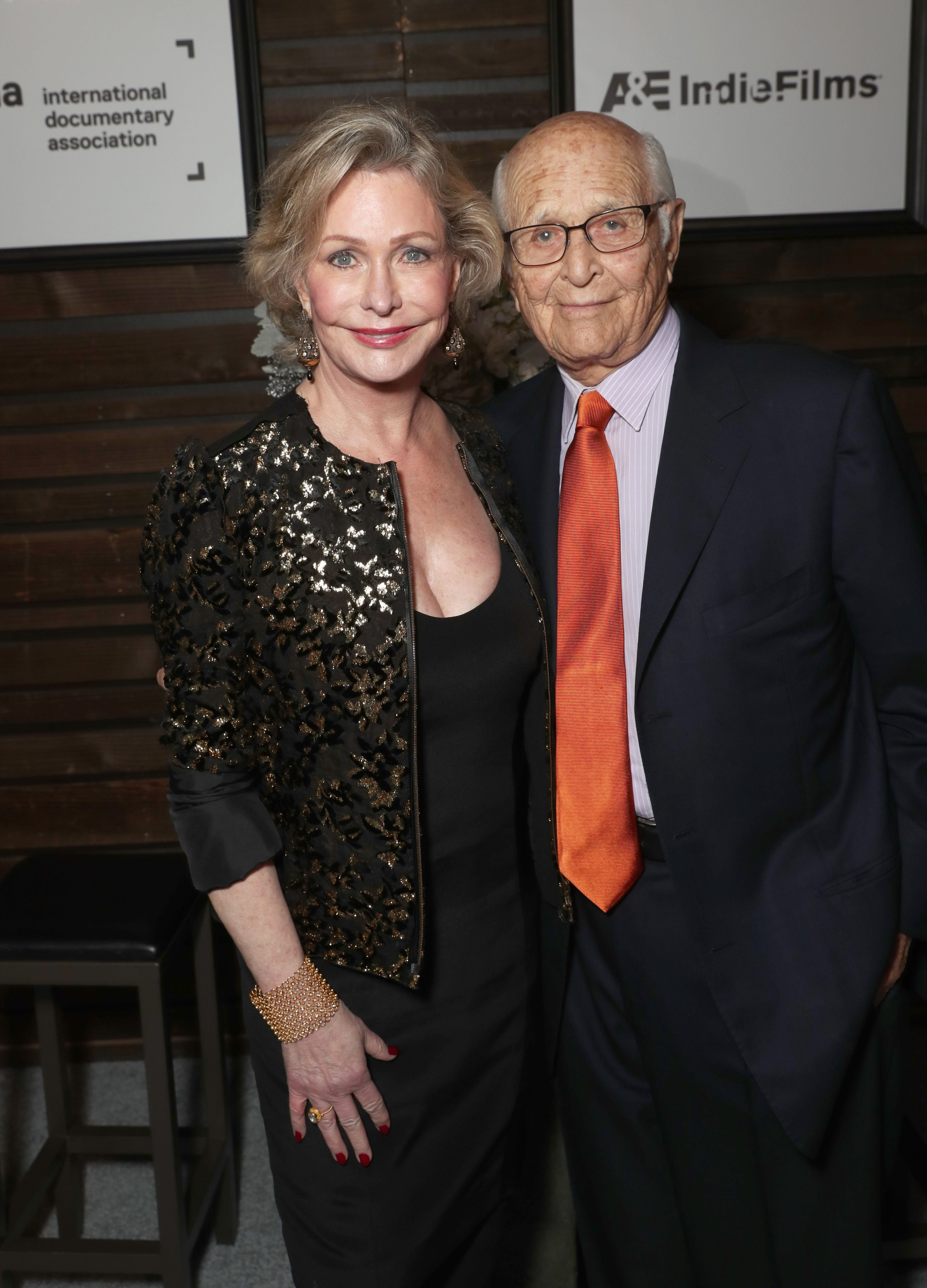 Lyn and Norman Lear at the 32nd Annual IDA Documentary Awards on December 9, 2016, in Hollywood, California | Photo: Todd Williamson/Getty Images
