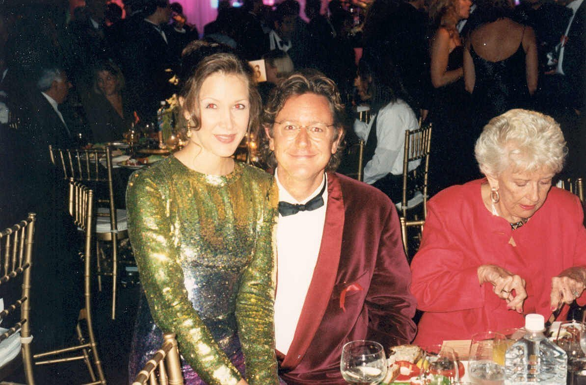 Judge Reinhold and wife at the Governor's Ball after the Emmy telecast. | Source: Wikimedia Commons, photo by Alan Light