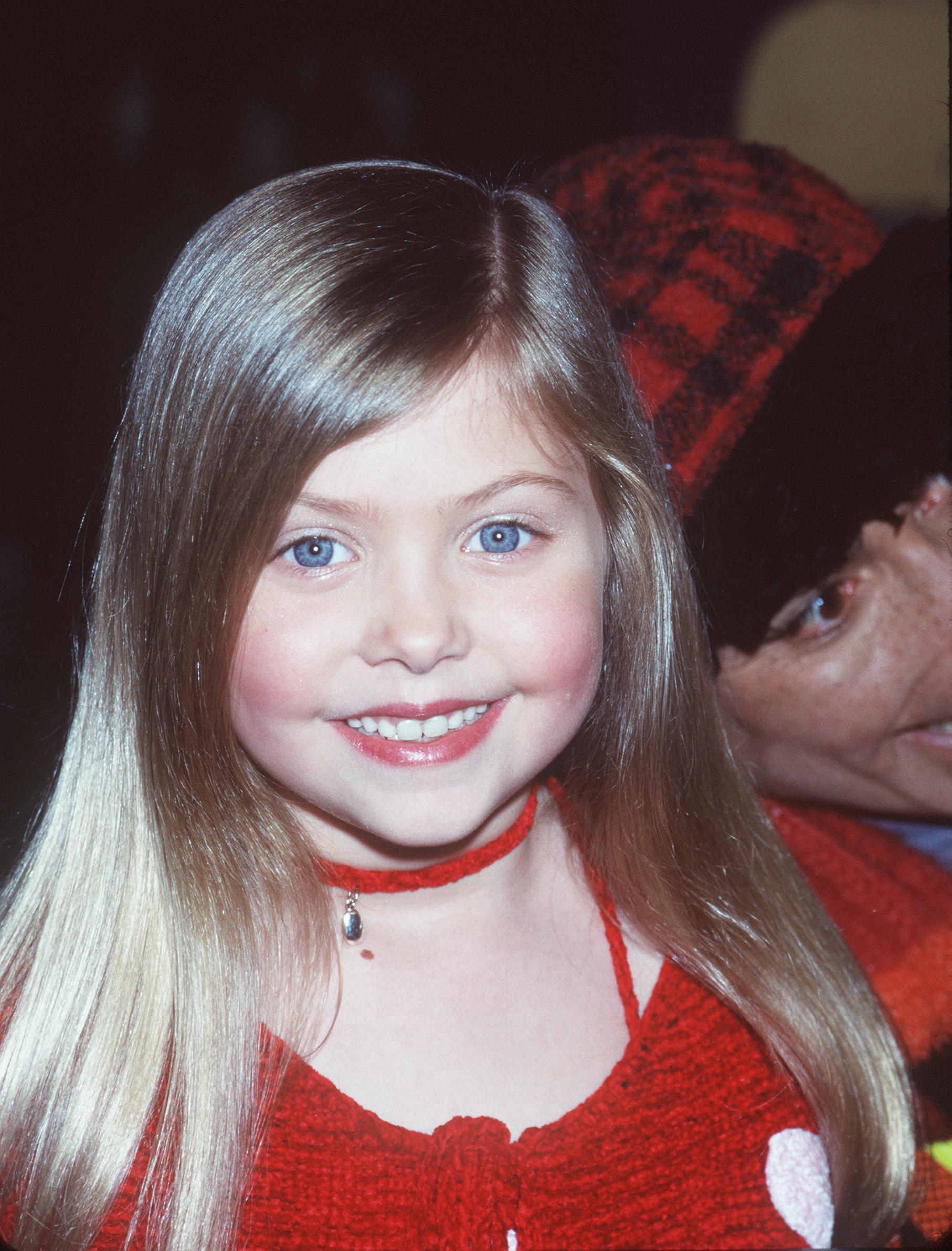 """Taylor Momsen at the Toy Fair Whobilation celebrating the the upcoming release of """"How the Grinch Stole Christmas"""" in New York, December 2000. 