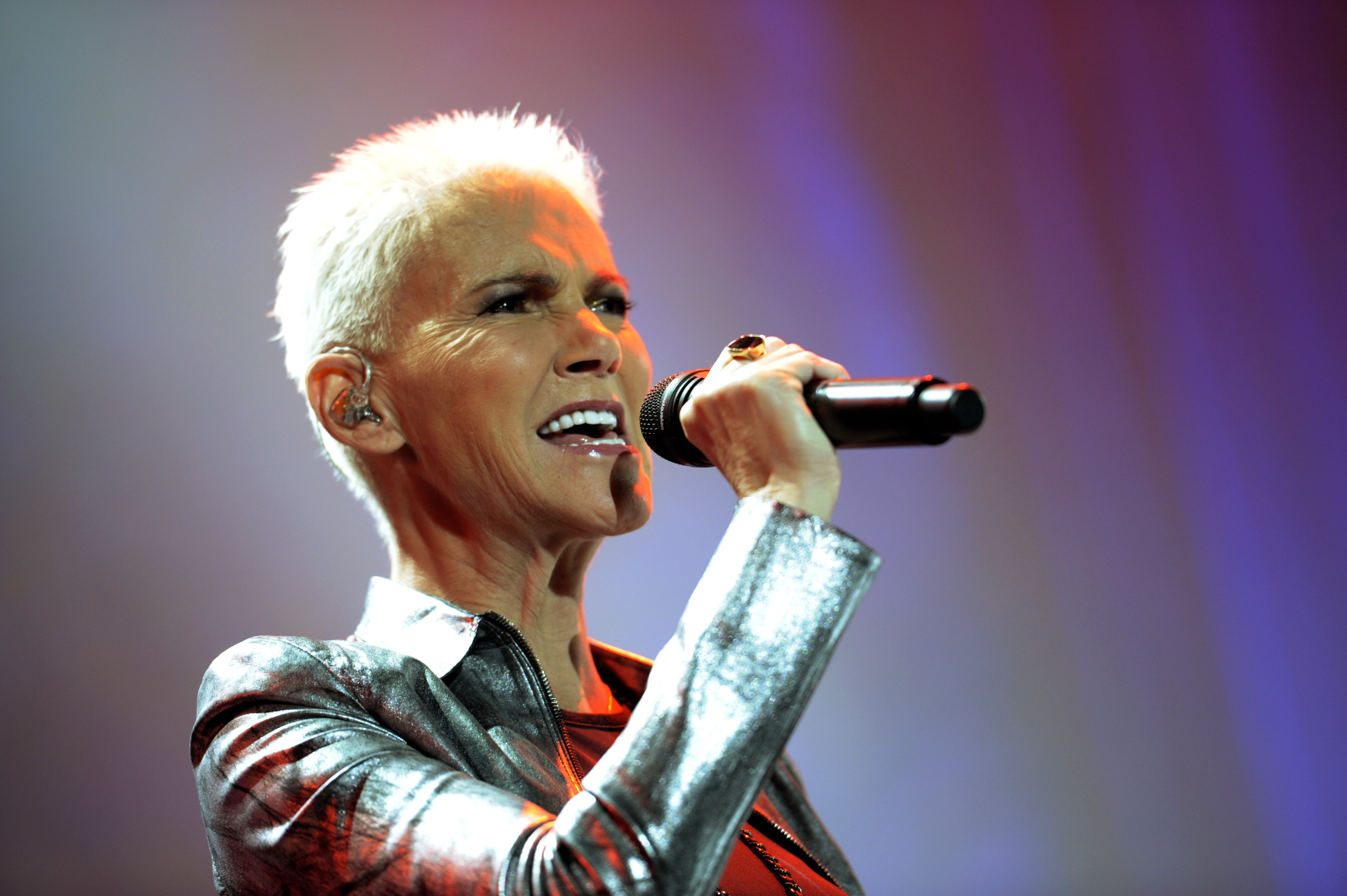 Marie Fredriksson of Roxette performs on stage at the Koenig-Pilsener-Arena on October 19, 2011 | Photo: GettyImages