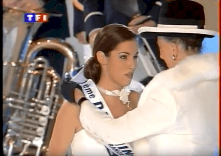 Ariane durant l'édition 2000 de Miss France l Source: youtube/Miss & Cie