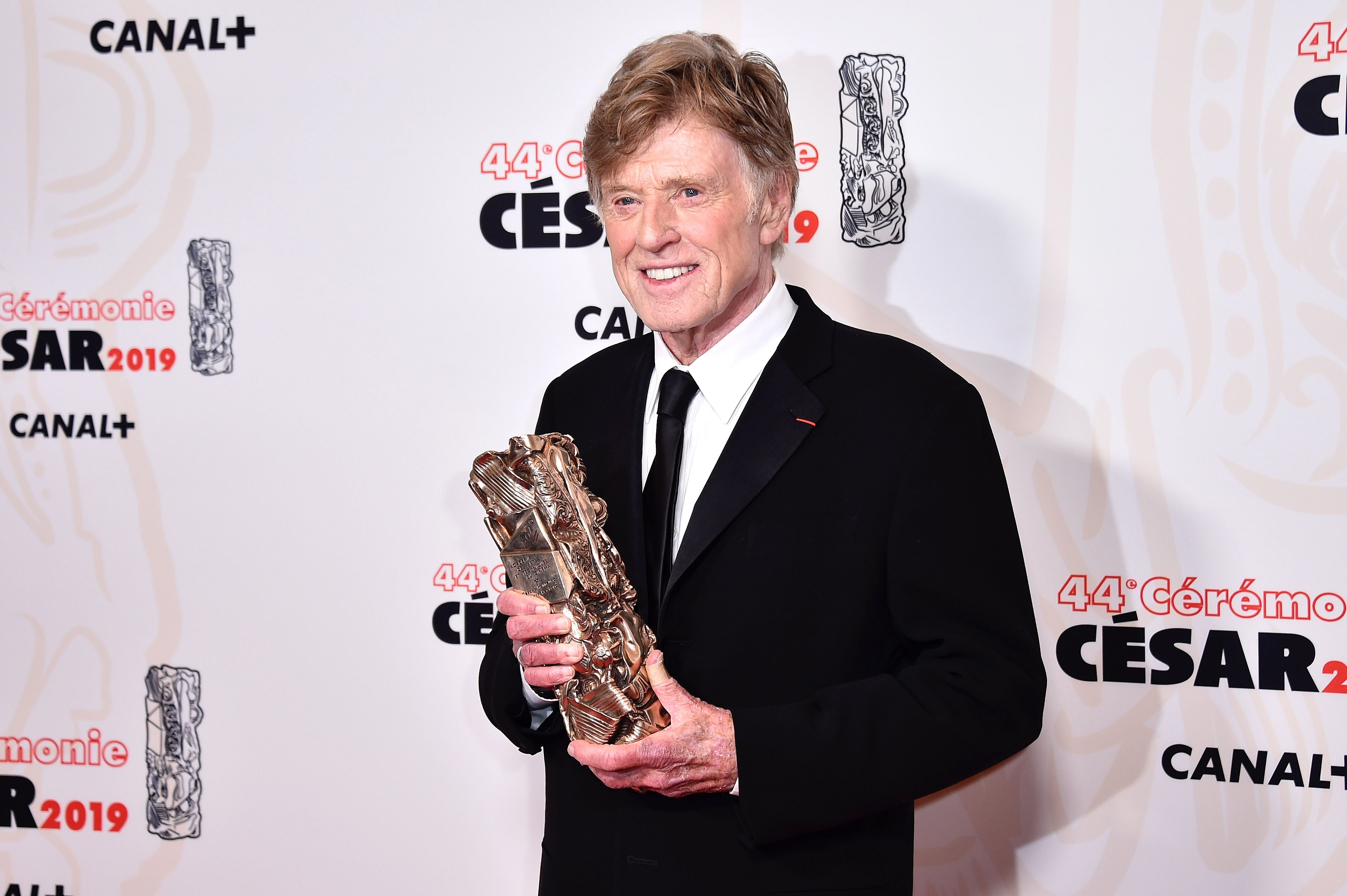 Robert Redford poses with the Honorary Cesar award for his career at Salle Pleyel on February 22, 2019   Photo: Getty Images