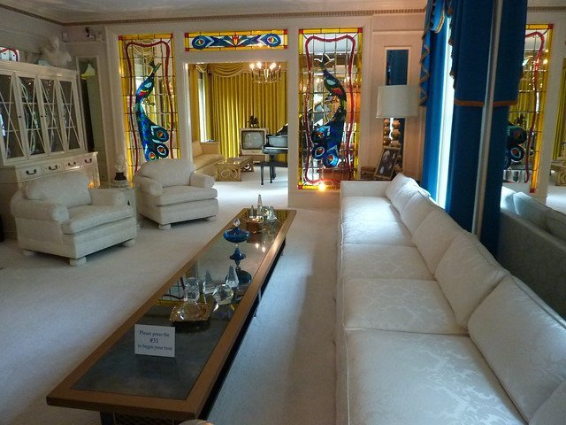 The living room in Graceland. Source: Flickr
