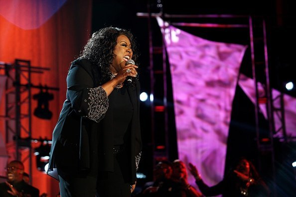 Singer Shirley Murdock performs during the Allstate Gospel SuperFest | Photo: Getty Images