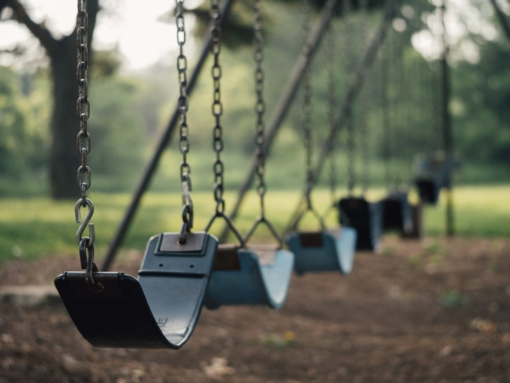 The boys decided to go to the park and smoke | Source: Unsplash