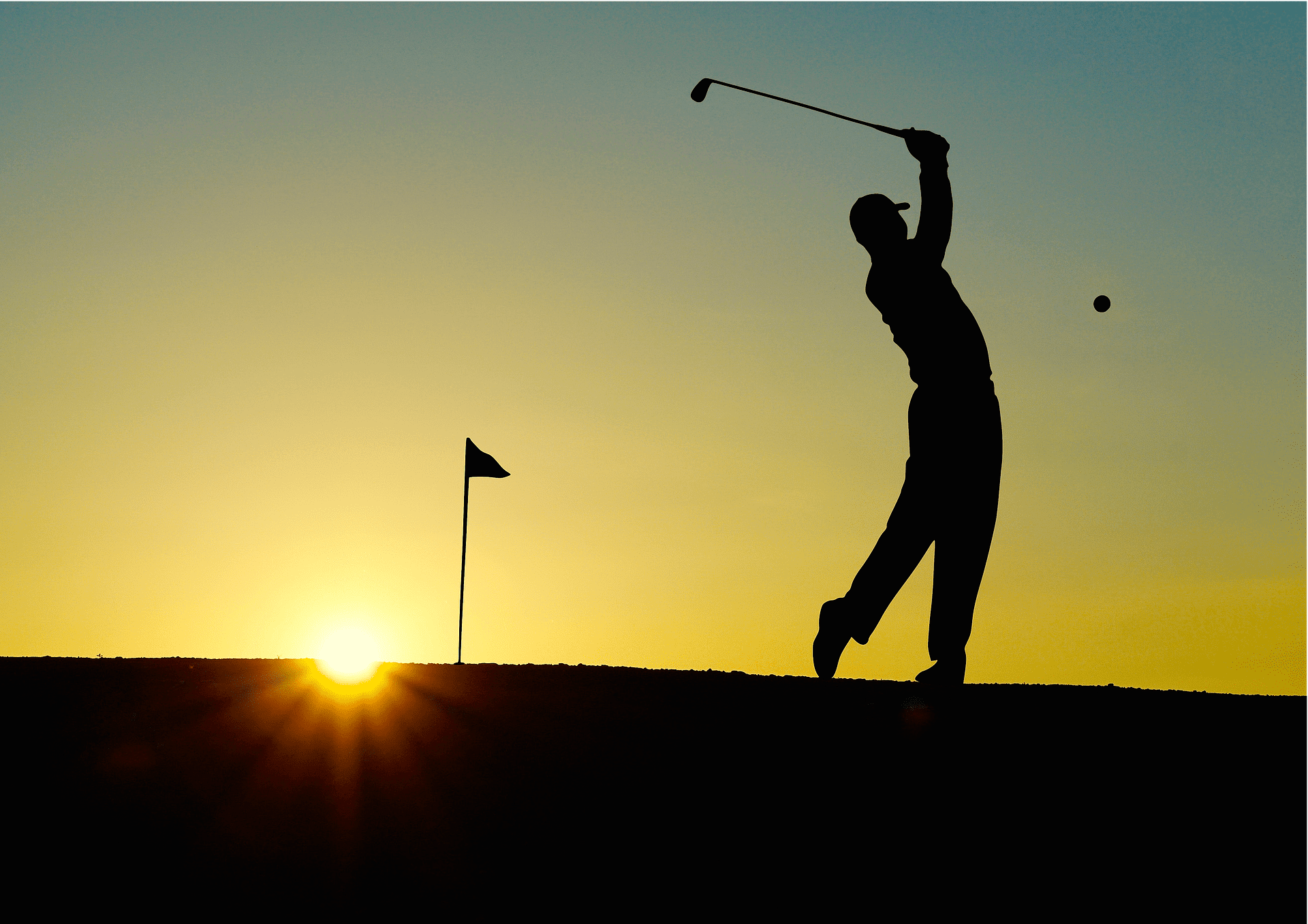 Will he ever get it in the hole? | Photo: Pixabay/Hebi B.