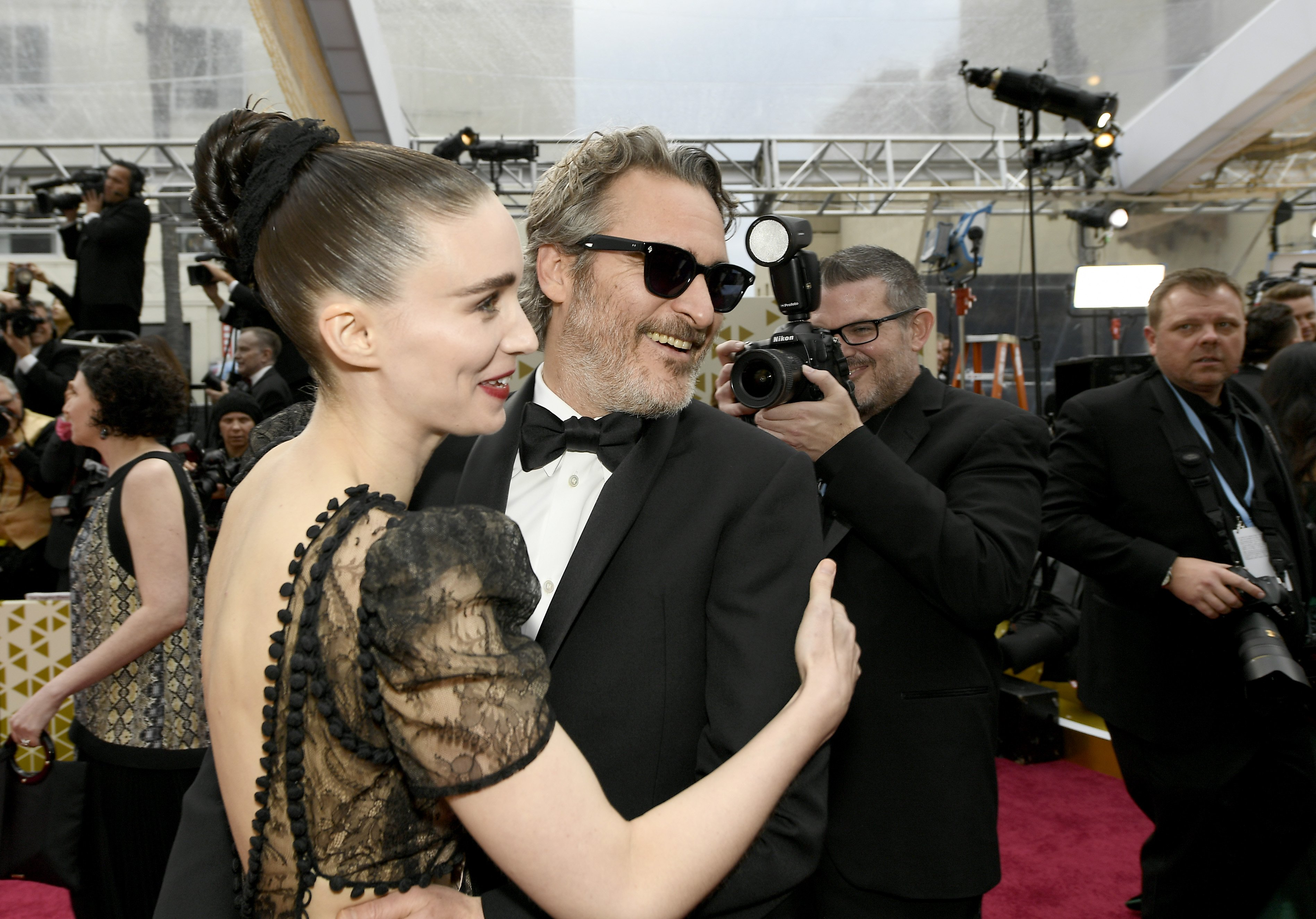 Rooney Mara and Joaquin Phoenix attends the Academy Awards in Hollywood, California on February 9, 2020 | Photo: Getty Images
