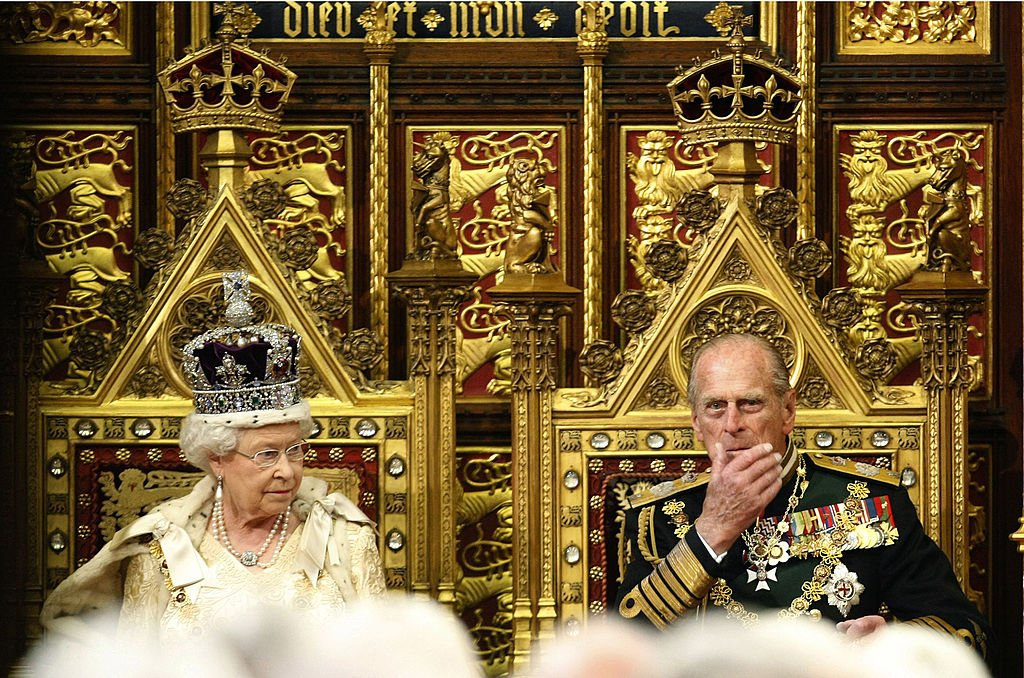 Queen Elizabeth II and Prince Philip during a 2010 event in the House of Lords. | Photo: Getty Images