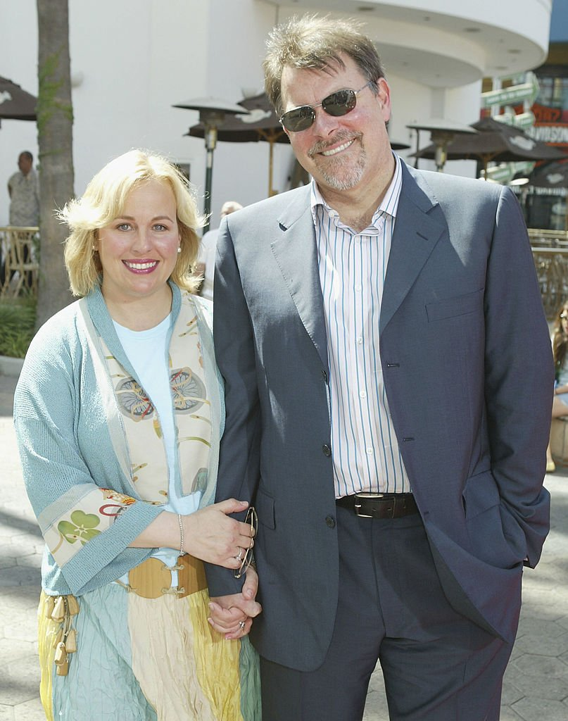 "Genie Francis (L) and husband director Jonathan Frakes arrive at the premiere of ""Thunderbirds"" at the Universal Studios Cinemas on July 24, 2004 