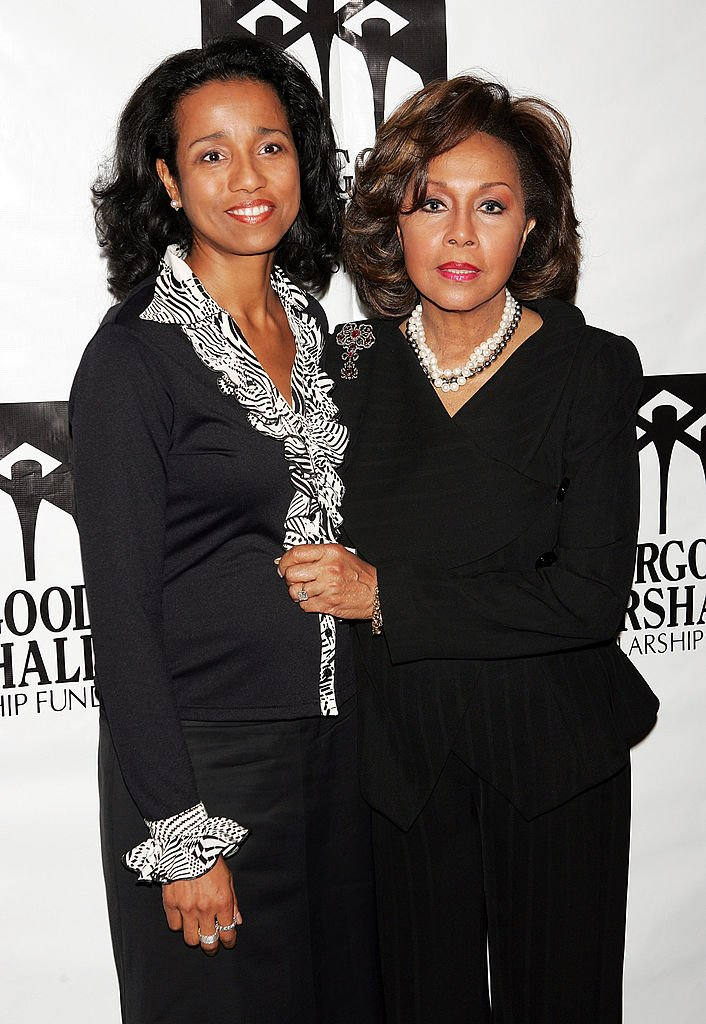 Actress Diahann Carroll (R) and her daughter Suzanne Kay arrive at the Thurgood Marshall Scholarship Funds annual dinner at the Sheraton New York Hotel | Photo: Getty Images