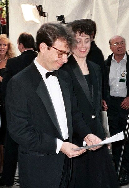 Rick Moranis at the 62nd Academy Awards. | Source: Wikimedia Commons