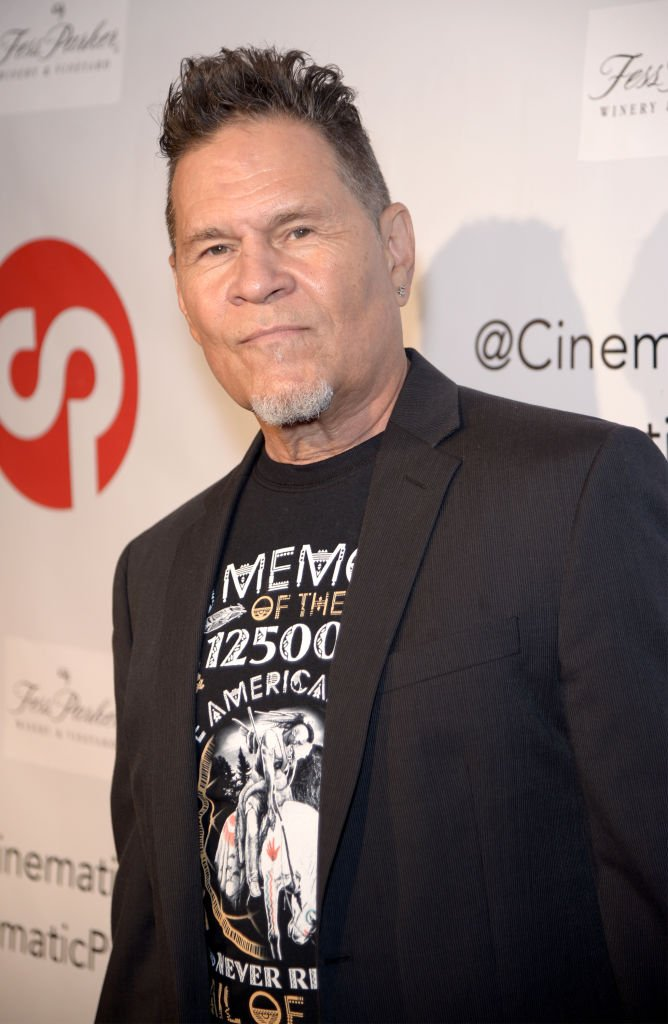 "l'Acteur A. Martinez assiste à la révélation de la table basse ""Longmire"" livre par Cinematic Pictures Group - Publication à Cinematic Pictures Gallery le 29 juillet 2017. 