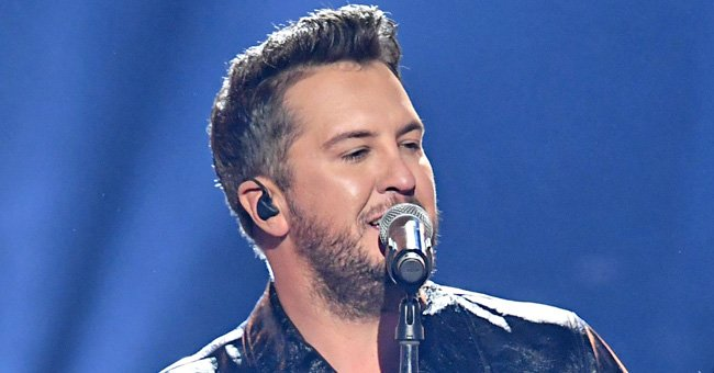 Luke Bryan of 'American Idol' Gives Fans a Glimpse into His Home Studio