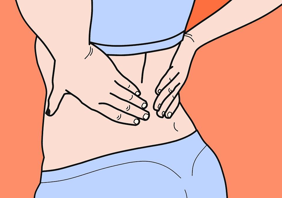 Frau mit Rückenschmerzen | Quelle: Pixabay