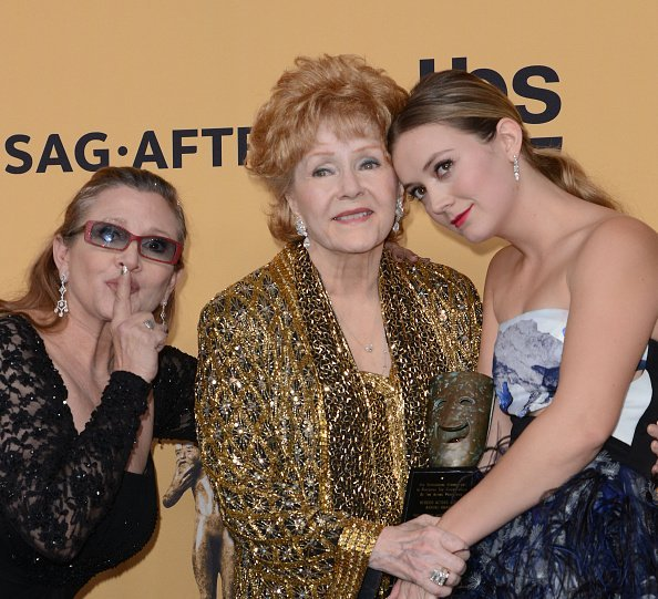 Carrie Fisher, Debbie Reynolds, and Billie Lourd at The Shrine Auditorium on January 25, 2015 in Los Angeles, California | Photo: Getty Images