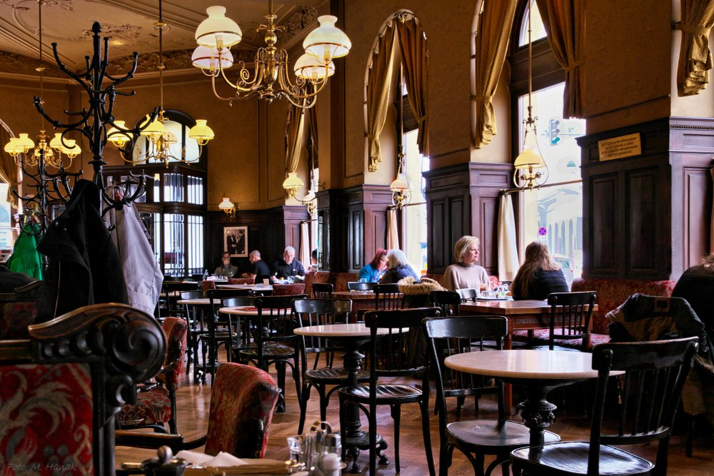 A photo of a coffee house   Photo: Shutterstock