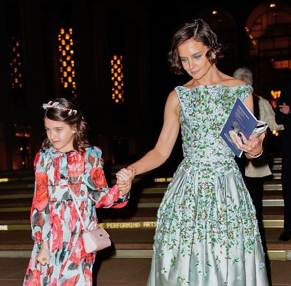 Katie Holmes et Suri Cruise passent une soirée au American Ballet Theater au Lincoln Center | Photo : Getty Images
