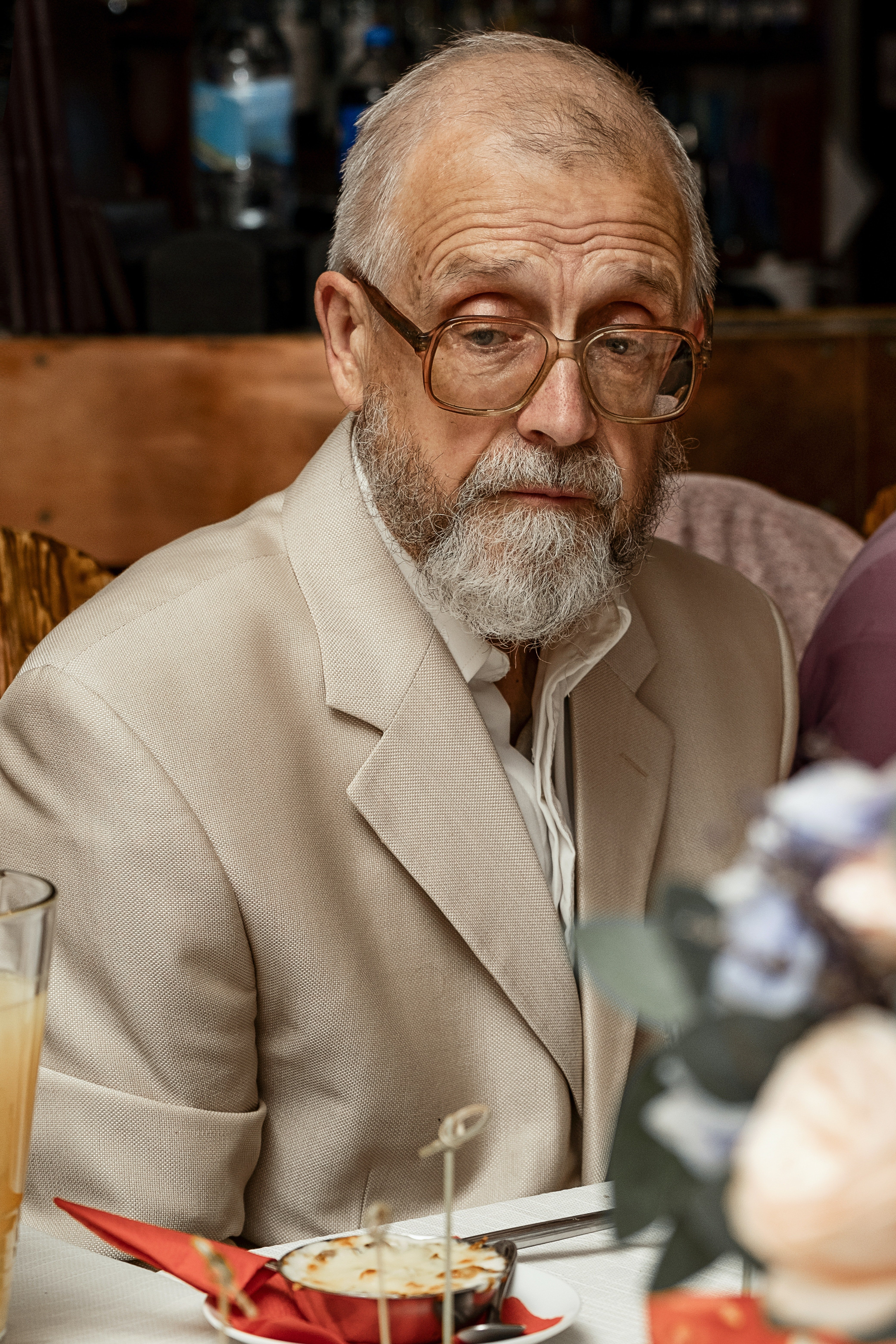 A confused old man | Photo: Pexels