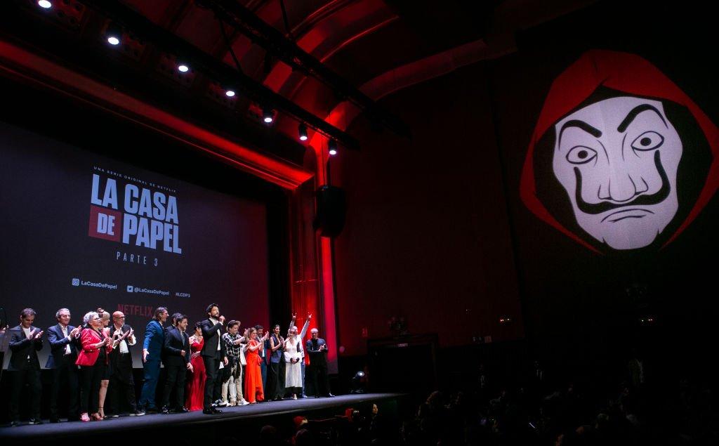 El elenco asiste a la alfombra roja de 'La Casa de papel'.| Fuente: Getty Images
