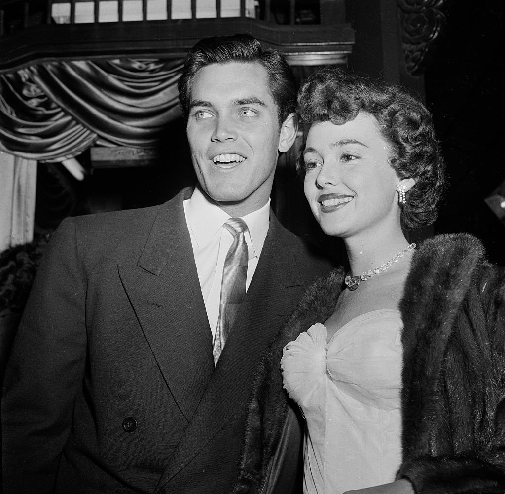 Jeffrey Hunter and Barbara Rush at a movie premiere in Los Angeles, California | Photo: Getty Images/Earl Leaf/Michael Ochs Archives