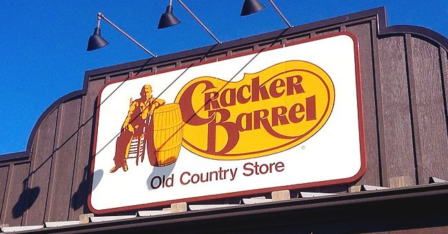 Cracker Barrel Old Country store | Source: Flickr