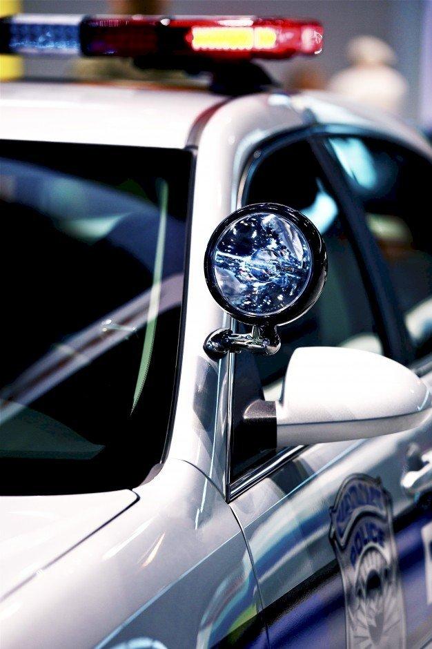 Une voiture de police. l Source: Freepik