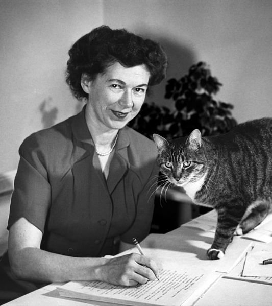 Beverly Cleary, circa 1955. | Source: Wikimedia Commons, public domain