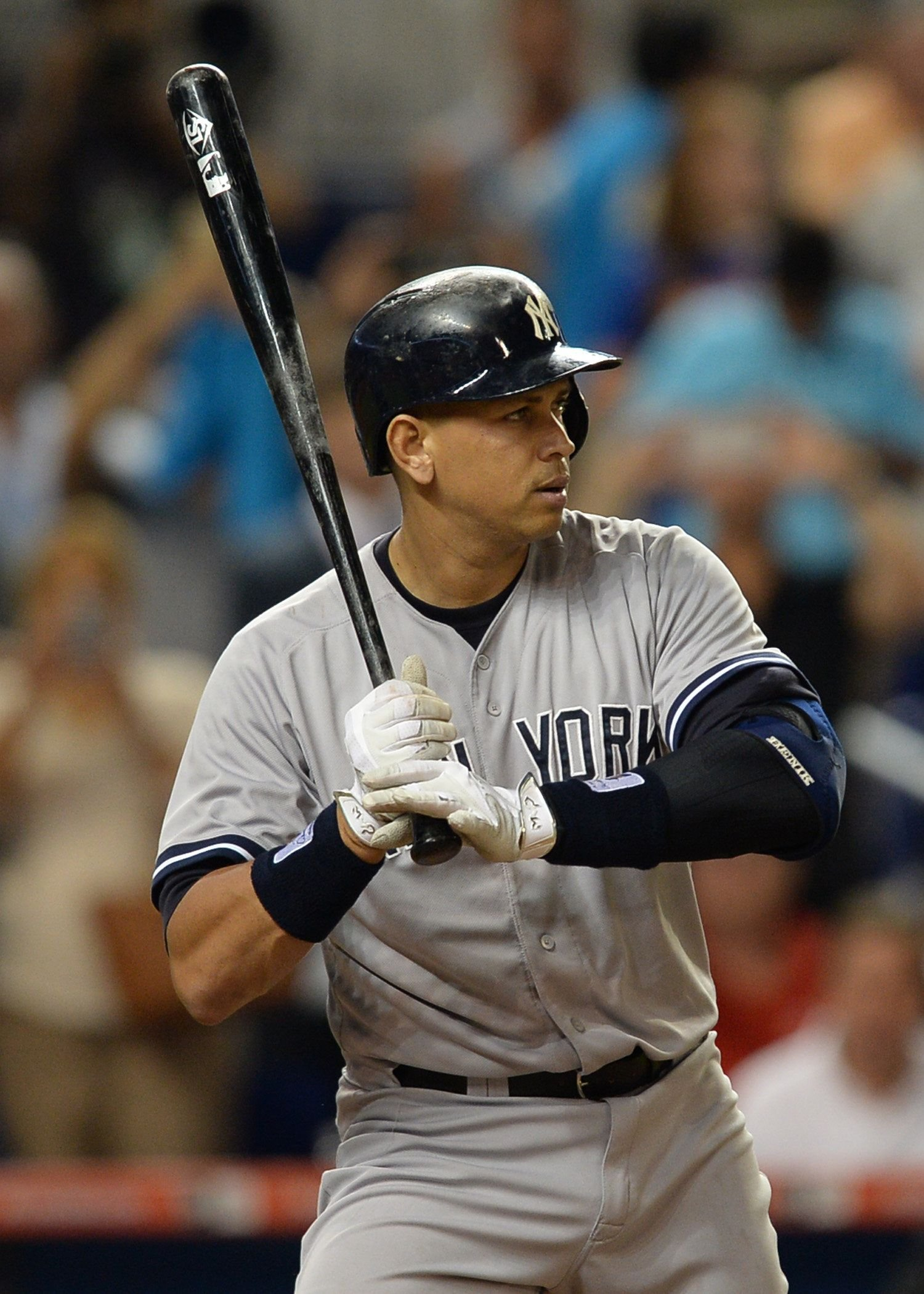 Alex Rodriguez at a game between the Miami Marlins and the New York Yankees on June 15, 2015, in New York | Photo: JC/Icon Sportswire/Corbis/Icon Sportswire/Getty Images